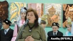 Люция Камаева Зариф Бәшири хакында мәгълүматлар бирде