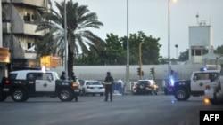 Policija na mestu napada pored Poslanikove džamije u Medini