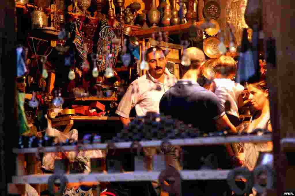 In Azerbaijan, An Ancient Art On The Wane #9