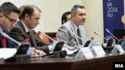 Седница на собраниската Комисија за европски прашања на која aмбасадорот на Република Грција во Република Македонија, Харис Лалакос ги презентира приоритети и програма за работата на претседателството на Република Грција со Европската унија во периодот (јануари-јуни 2014 година).