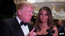 Избранный президент США Дональд Трамп с супругой.