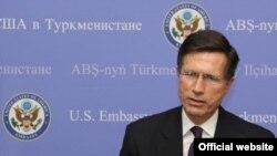 Robert O. Blake, Jr. will visit Uzbekistan for four days.