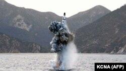 Испытание баллистической ракеты на фотографии, опубликованной государственным агентством Северной Кореи. Иллюстративное фото.