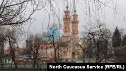 Вид на историческую суннитскую мечеть Владикавказа