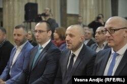 Prema saopštenju bivšeg kosovskog ministra pravde Abeljarda Tahirija iz avgusta 2019., glavnoosumnjičeni za ubistvo je Milan Radoičić (na fotografiji drugi zdesna), jedan od lidera Srpske liste