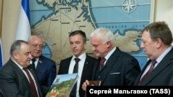 Делегація депутатів із Німеччини відвідала Державну раду анексованого Криму, 8 січня 2018 року