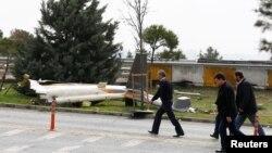 Resturi ale elicopterului prăbușit astăzi