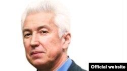 Владимир Васильев (с официального сайта)