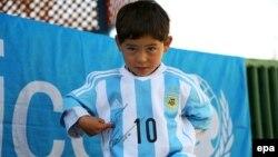 مرتضی احمدی کودک پنج سالهء افغان