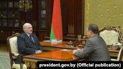 Олександр Лукашенко (зліва) та Роман Головченко