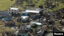 Одне з поселень на Фіджі, зруйноване в результаті циклону, 21 лютого 2016 року