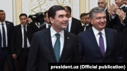Türkmen we özbek prezidentleri.