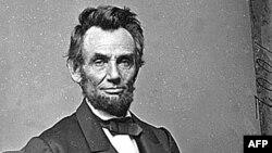 Абраам Линкольн расалык бөлүнүүгө каршы чыккан.