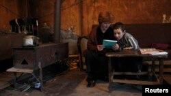 Всего менее 40 тысяч тбилисских семей продолжат пользоваться этой зимой коммунальными ваучерами, позволяющими сократить семейные расходы в холодное время года. Все остальные жители столицы теперь будут лишены этой возможности