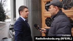 Міністр культури В'ячеслав Кириленко обіцяє з'ясувати, чи платив уряд за його користування залою офіційних делегацій