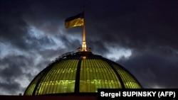 Постанова №3218 передбачає, що три наступні тижні, до 3 квітня, депутати працюватимуть у комітетах, комісіях, депутатських фракціях чи групах