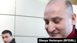 Бывший лидер абхазских вооруженных формирований Эмзар Квициани (аэропорт Тбилиси, 28 февраля 2014 года)
