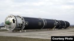 A Sarmat MIRV ICBM
