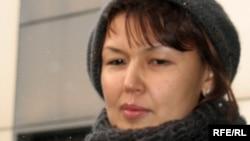Джамиля Джакишева, жена арестованного бывшего топ-менеджера Мухтара Джакишева. Астана, 10 декабря 2009 года.
