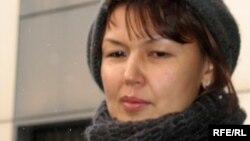 Description: Мұхтар Жәкішевтің зайыбы Жәмила Жәкішева. Астана, 10 желтоқсан 2009 жыл.