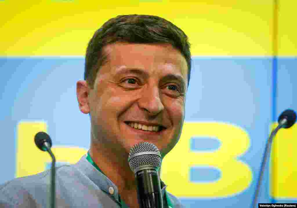 Ukrainian President Volodymyr Zelenskiy congratulates his party members and the people of Ukraine as the early exit poll numbers are announced. (Reuters/Valentyn Ogirenko)