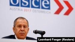 Ministri i Jashtëm rus, Sergei Lavrov gjatë samitit në Vjenë.