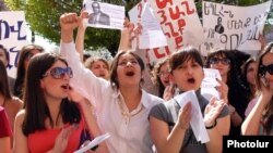Armenia - Students of Yerevan State Linguistic University protest against the controversial sacking of its rector Suren Zolian, 18Apr2012.