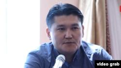 Адил Турдукулов.