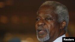 Кофи Аннан выступает с заявлением сразу после прибытия в Дамаск, 28 мая 2012 г.