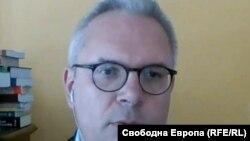 Момчил Методиев