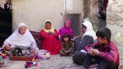 Важко бути дівчиною в Афганістані. Для меншини джоґі це ще важче – відео