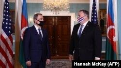 Майк Помпео сначала провел переговоры с министром иностранных дел Азербайджана Джейхуном Байрамовым