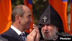 Роберт Кочарян и Католикос всех армян Гарегин Второй
