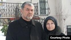 Муҳаммад Солиҳ рафиқаси Ойдин Солиҳ билан¸ Истанбул¸ 2008 йил.