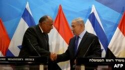 بنیامین نتانیاهو نخستوزیر و سامح شکری وزیر امور خارجه مصر در بیتالمقدس