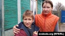 Валянціна з сынам-пяціклясьнікам