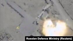 Удар российской авиации в Сирии. Изображение взято с видео Министерства обороны России