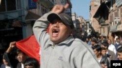 Непальские студенты протестуют против самодержавия