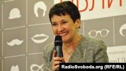 Оксана Забужко під час виступупу в Києві