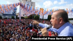 Թուրքիայի նախագահ Ռեջեփ Էրդողանը քարոզարշավի ժամանակ, մայիս, 2018թ․