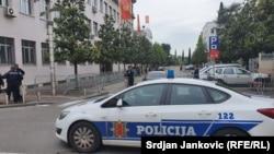 Поліція біля будівлі суду