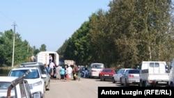 Жители Усть-Ивановки ночуют в машинах на окраине села