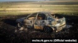 Згорілий автомобіль на трасі Сімферополь-Євпаторія. 21 вересня 2018 року