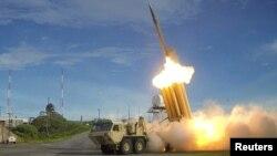 سیستم ضدموشکی تاد ساخت آمریکا، میتواند موشکهای شلیکشده را رهگیری و در آسمان منهدم کند.