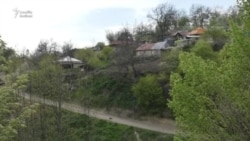 Kəlfərəc kəndinin dağılmış məktəbi