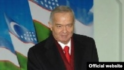 Президент Ислом Каримов Ўзбекистон Хитой билан иқтисодий алоқаларни ривожлантиришдан манфаатдор эканини яна бир бор таъкидлади.