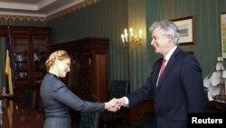 Юлия Тимошенко и заместитель госсекретаря США Уильям Бёрнс