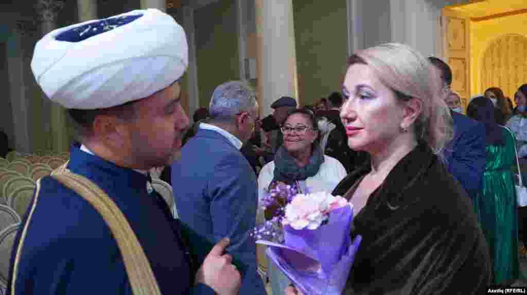 Русия Мөфтиләр шурасы рәисе урынбасары Рушан Аббясов һәм Татарстан мәдәният министры Ирада Әюпова