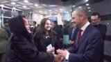 """Один из руководителей """"Барс медиа"""" Камиль Гараев встречает гостей"""