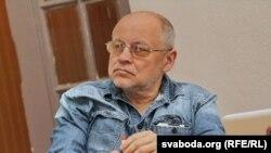 Юры Луканаў